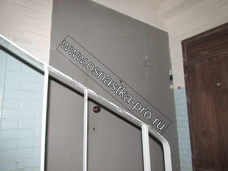 Изготовление и установка тамбурных дверей перегородок на лестничных площадках (лестничные перегородки)